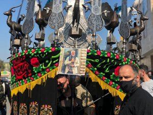 مراسم آیینی علم واچینی به مناسبت شهادت امام رضا(ع) در رشت برگزار شد